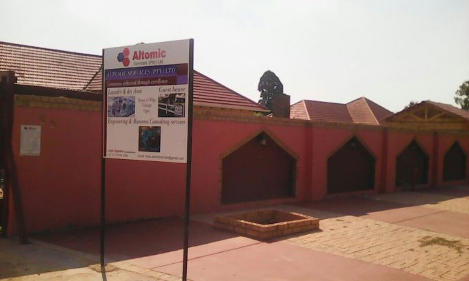 Altomic service guest house in Orgies